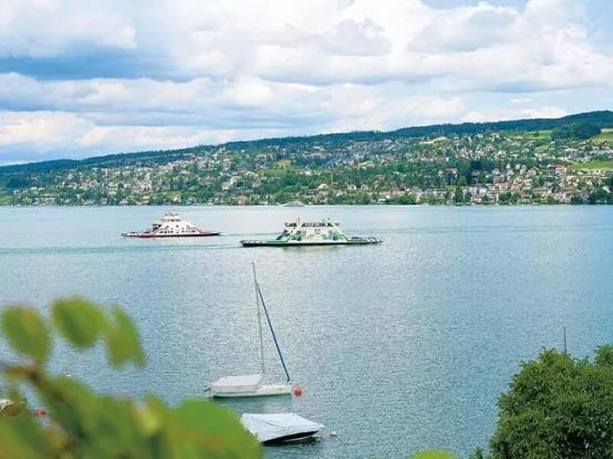 苏黎世湖上不停歇的MTU发动机渡轮